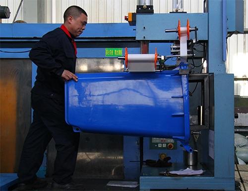 塑料垃圾桶生产